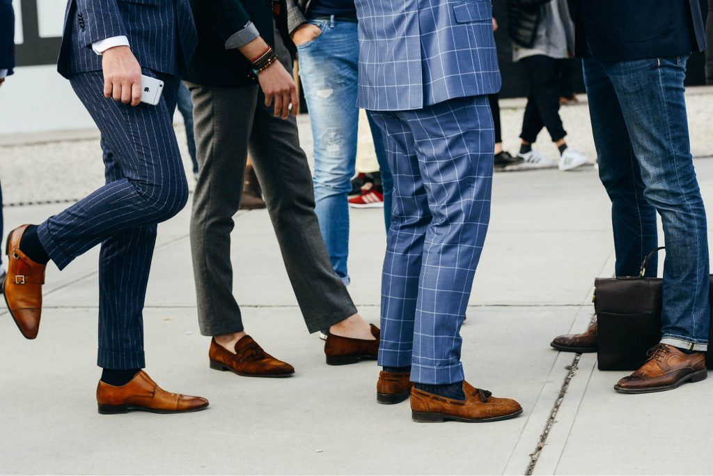 Do Men Still Wear Brown Shoes With Blue Suits