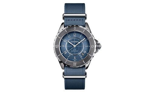 la_montre_j12_g_10_chromatic_bleue_en_bracelet_nato_de_chanel_2512.jpeg_north_499x_white