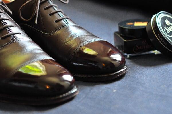 ミラーシャイン,鏡面仕上げ革靴