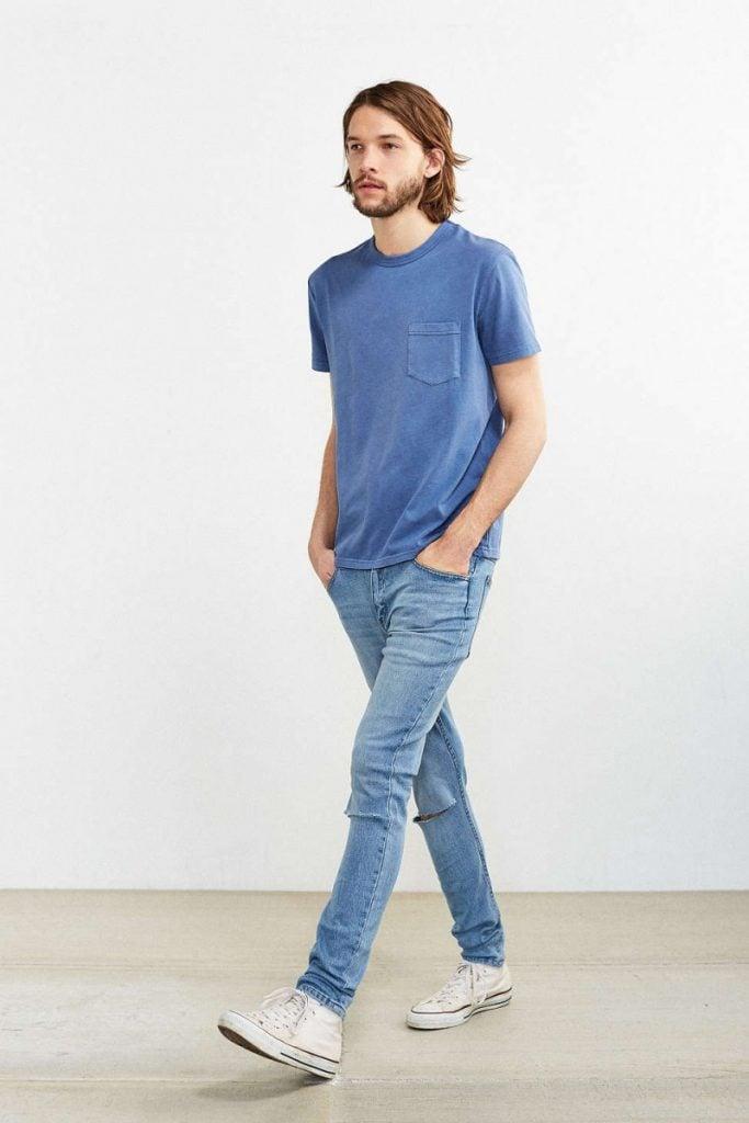 Cheap-Mondayスキニージーンズ,ネイビーブルーTシャツ,メンズファッション着こなしコーデ