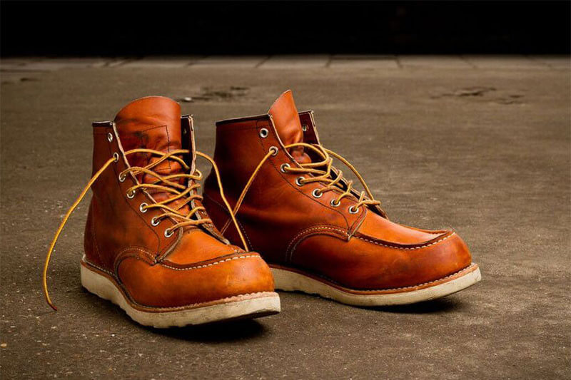 red-wing-london-moc-toe-boots-875