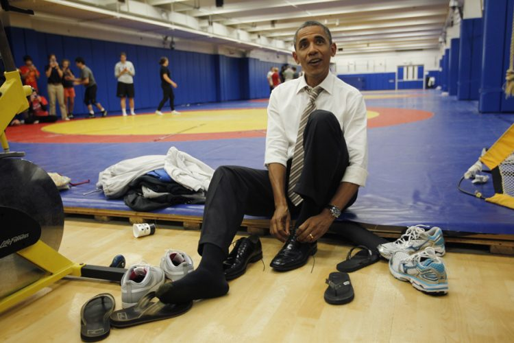 obama-ties-shoes