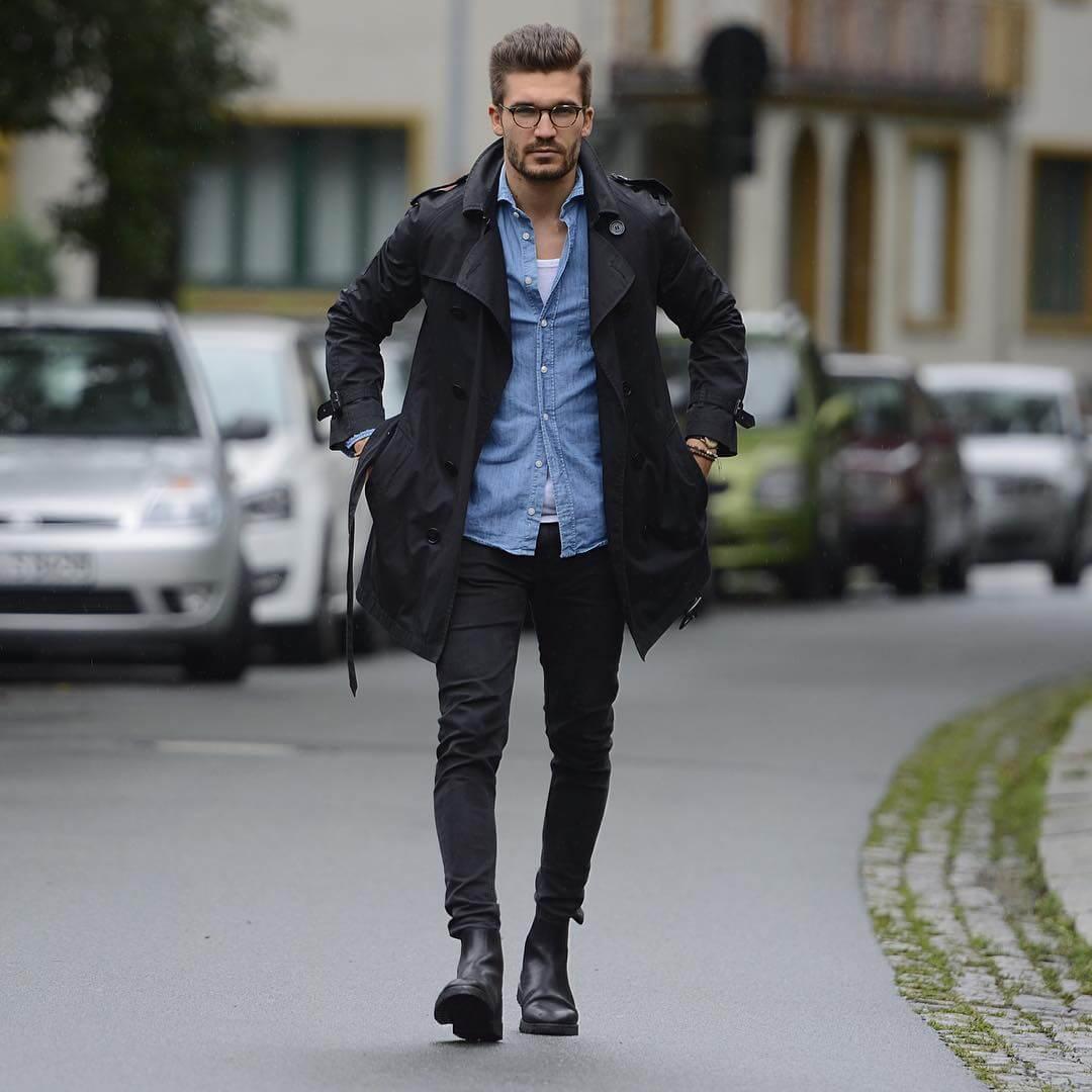 黒パンツ×トレンチコートの着こなし