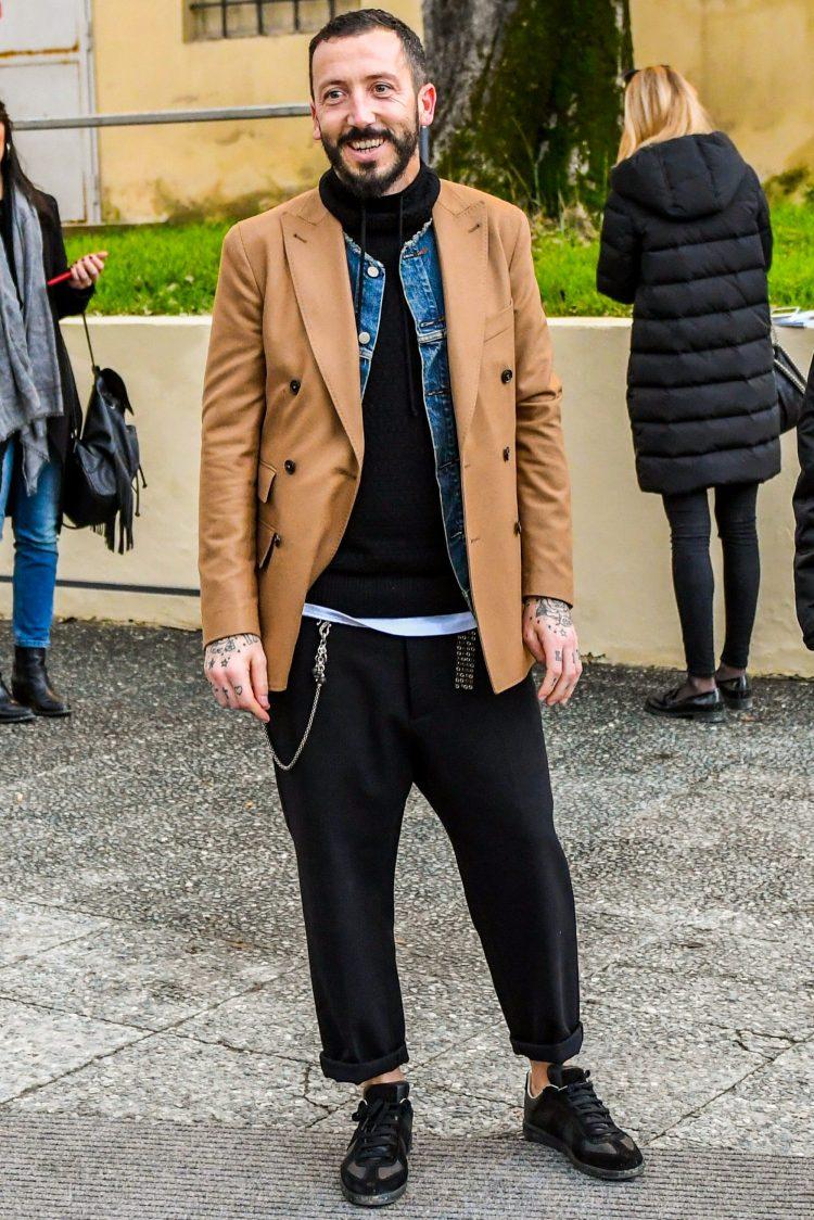重ね着を駆使したメンズ冬コーデ事例「テーラードジャケットのインナーにノーカラーのデニジャケをセット」
